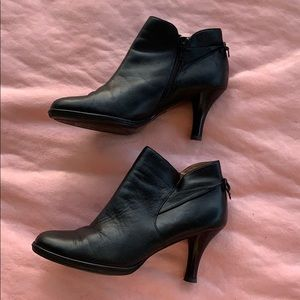 Soffit Bow Ankle Bootie